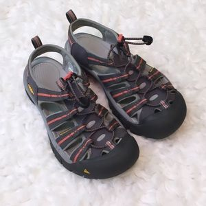 KEEN women's sandals size 8.5